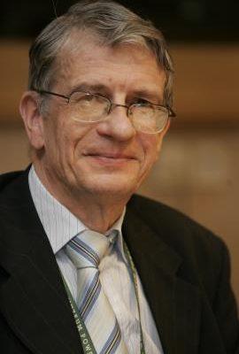 Professor Wojciech Roszkowski